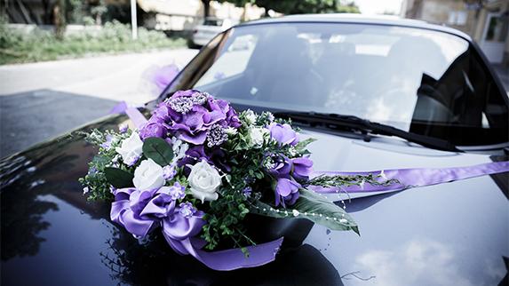 Svadobná výzdoba auta